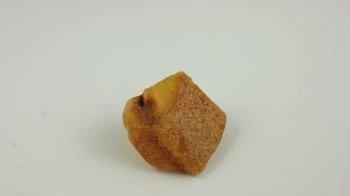 bursztyn bałtycki naturalny surowy półprodukt